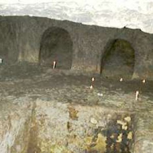 Photo: The structure of the burial cave corresponds to the Talmud's description.
